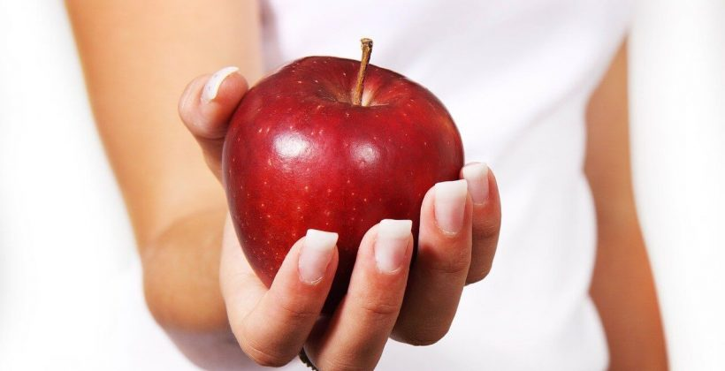 9 Best Foods to Maintain Good Oral Health