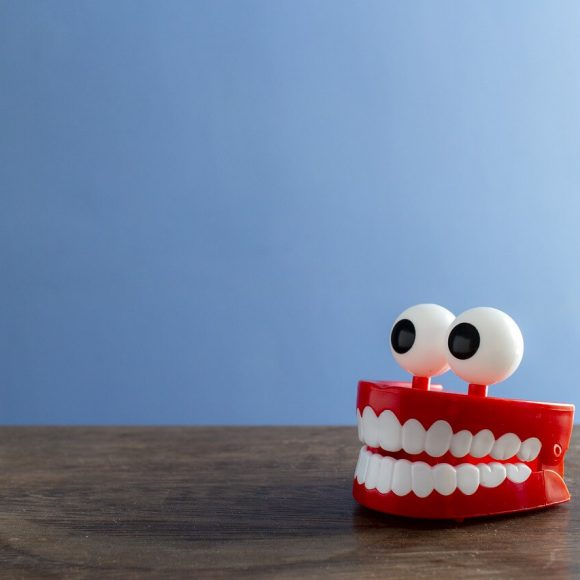 5 Simple Tips to Keep Your Teeth and Gums Healthy